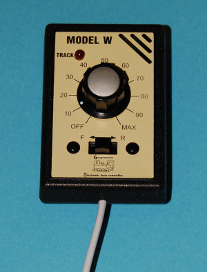 Gaugemaster W  Single Track Walkabout Controller