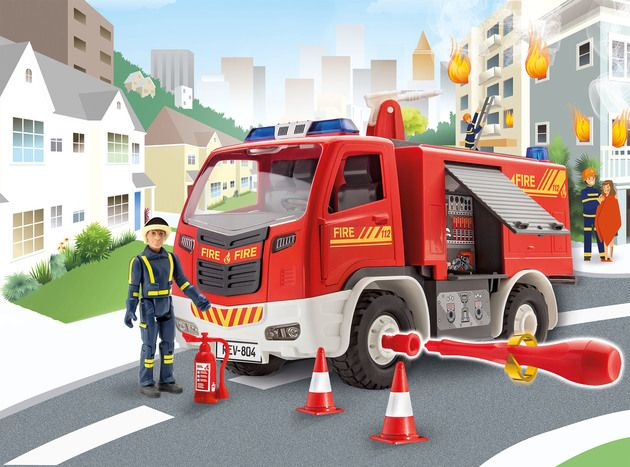 Revell 00819 Firetruck with figure 1:20